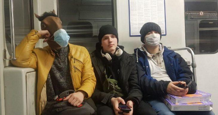 35 фотодоказательств того, что метро - самое странное место в мире