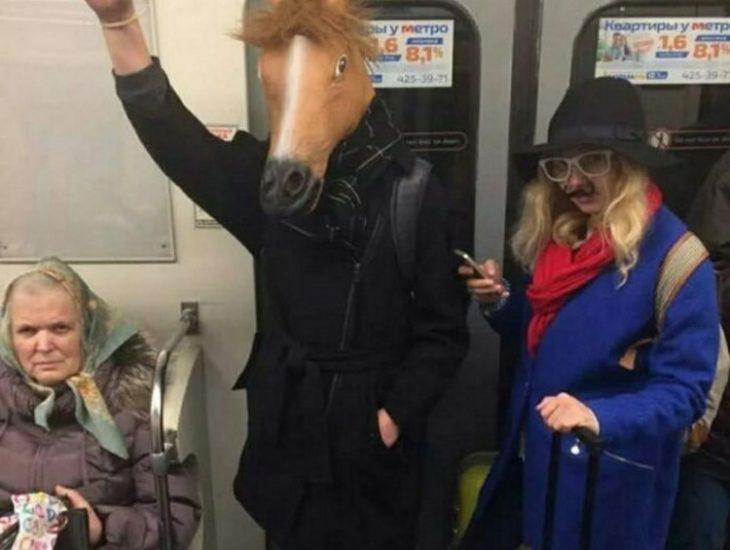 30 фотодоказательств того, что метро - самое странное место в мире