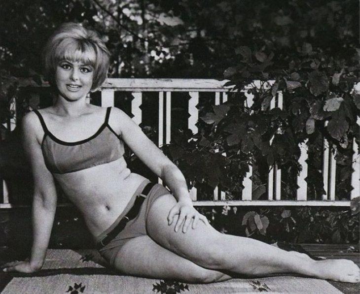 sovetskiye aktrisy znamenitosti na plyazhe Natal'ya Seleznova