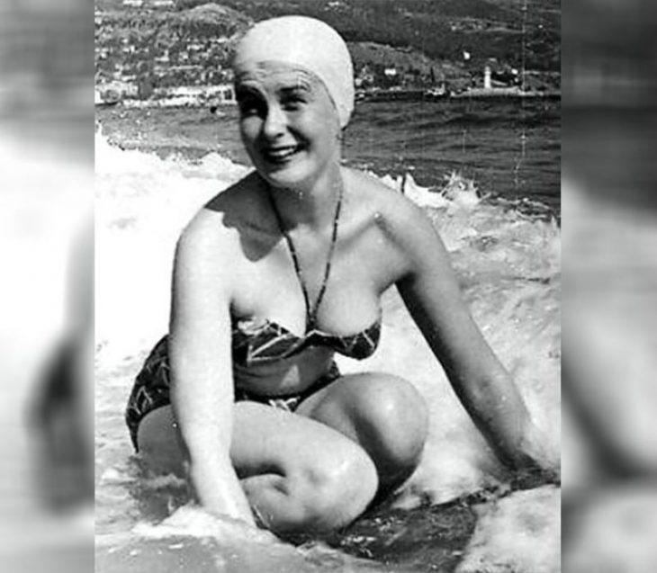 sovetskiye aktrisy znamenitosti na plyazhe Izol'da Izvitskaya