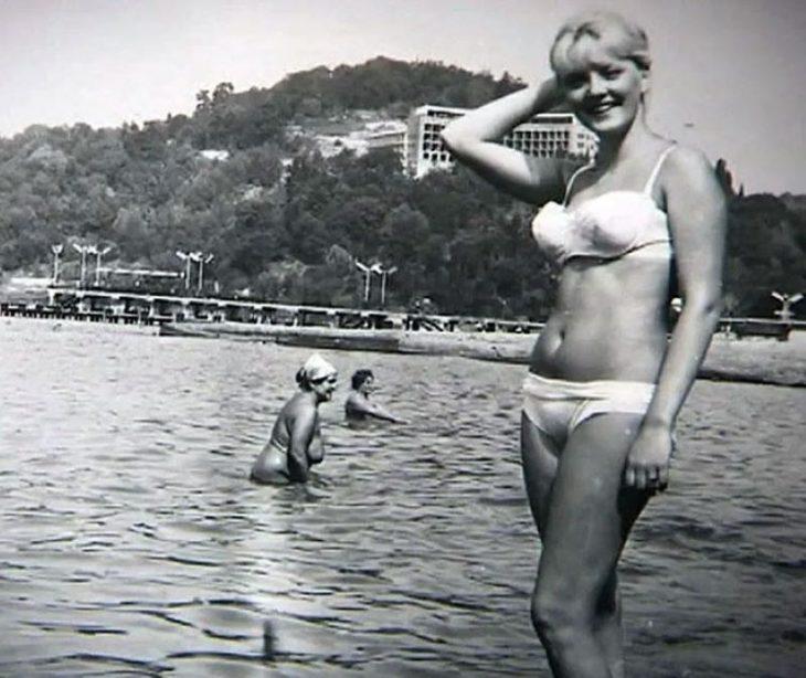 sovetskiye aktrisy znamenitosti na plyazhe Marianna Vertinskaya
