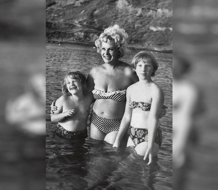 sovetskiye aktrisy znamenitosti na plyazhe Alla Larionova