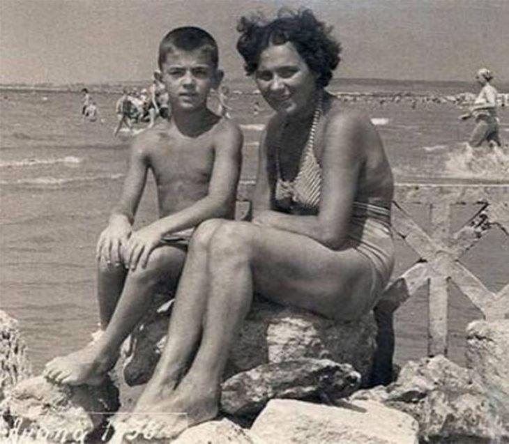 sovetskiye aktrisy znamenitosti na plyazhe Mikhail Boyarskiy