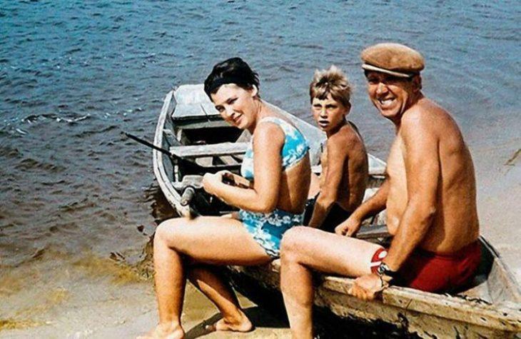 sovetskiye aktrisy znamenitosti na plyazhe Yuriy Nikulin