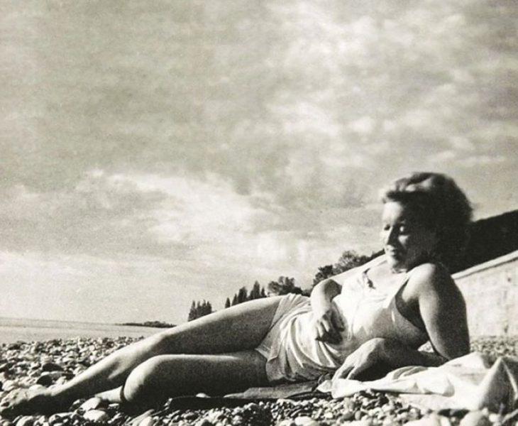 sovetskiye aktrisy znamenitosti na plyazhe Ol'ga Orlova