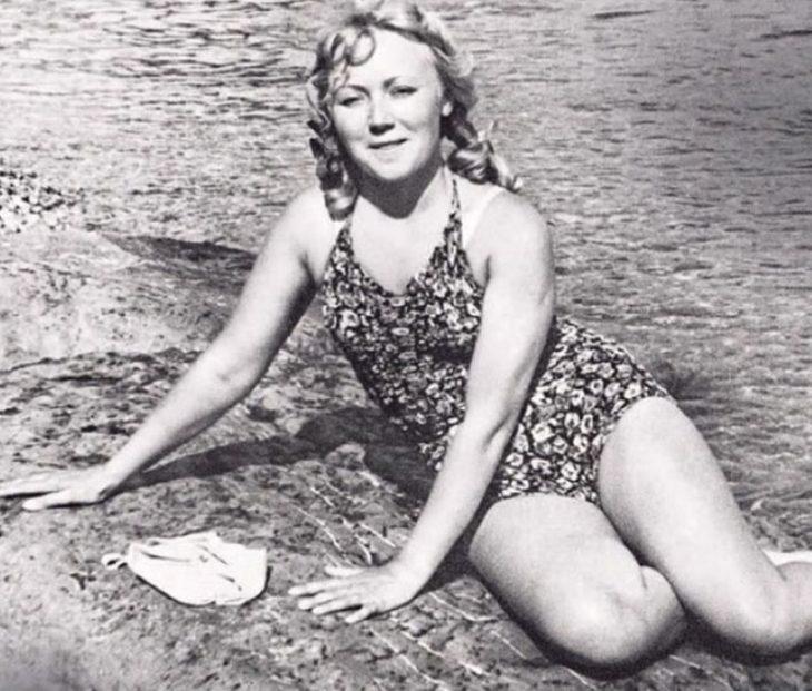 sovetskiye aktrisy znamenitosti na plyazhe Lyudmila Kasatkina