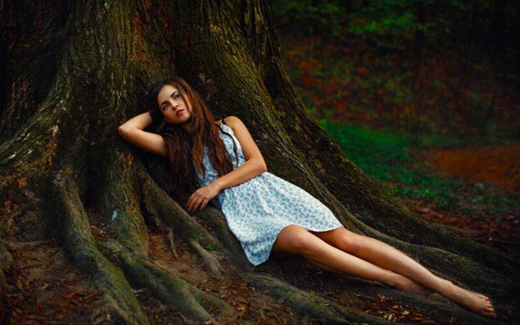 Обворожительные девушки в лесу, 30 снимков